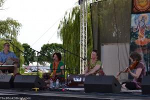 Kirtan Path: (L to R) Mark Baker (percussion), Deana Downs (vocals), Pascale LaPoint (harmonium, lead vocals), Nancy Lemke (violin)