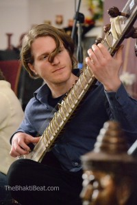 Chris Korb, sitar for Kirtan Bandits at Chantlanta, by TheBhaktiBeat.com