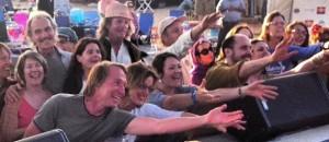 chanters showing love for gina sala by Kamaniya Devi on TheBhaktiBeat.com
