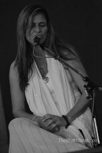Lea Longo @ Montreal Chant Fest by TheBhaktiBeat.com