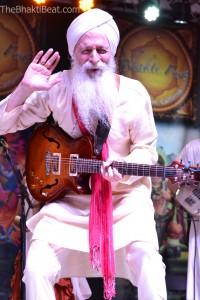 GuruGanesha Singh at Bhakti Fest Midwest, by TheBhaktiBeat.com