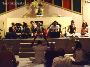 Kirtaniyas at Bhakti Fest May 2014, by TheBhaktiBeat.com