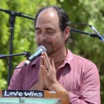 Saul David Raye, Bhakti Fest May 2104, by TheBhaktiBeat.com