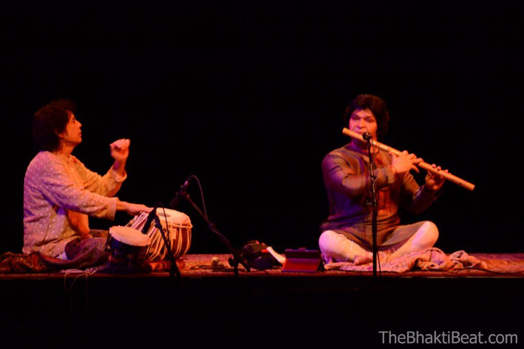 Zakir Hussain Rakesh Chaurasia, Flynn Theatre, March 19, photo credit TheBhaktiBeat.com